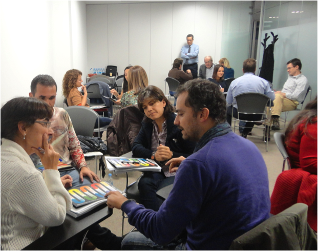 Picture 3: The group in action! Reading Spanish reality with SDi
