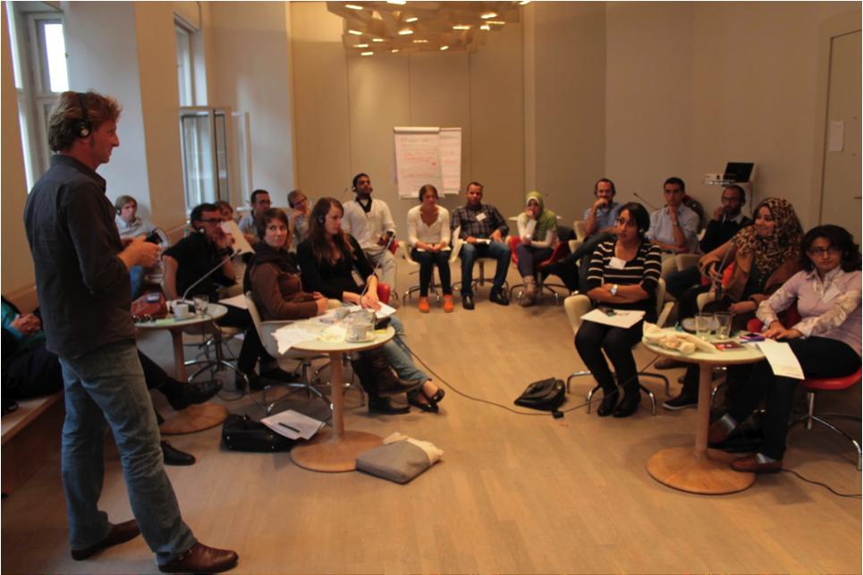 Fig. 2: With Trainer Eric Poettschacher in the Humbolt-Viadrina School of Governance in October 2012