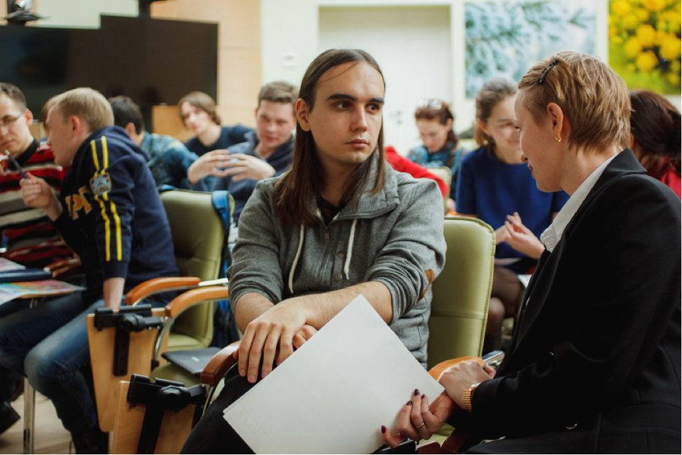 Integral Workshop on December 18-21 at the Center for Development of Entrepreneurs (Sberbank) in Izhevsk. During the pair discussion. Photo by Viktor Kolchin (ARGO).